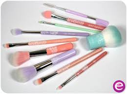 essence cosmetics uk on twitter our brushes not only do the job but also look cute on the dressing table makeup bgers beauty essence