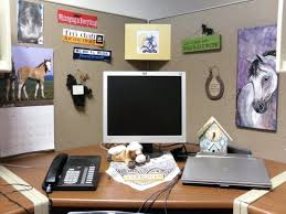 ideas to decorate office cubicle. Glamorous Cubicle Wall Decor Corner Office Ideas Decorating For Cubicles At Christmas To Decorate