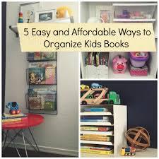 5 ways to organize kids books square
