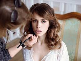 7 tips the wedding hair and makeup pros want you to know