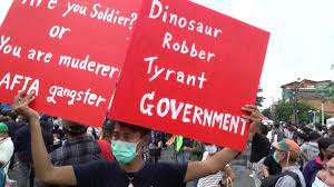 Video shows angry Thai protesters obstruct royal motorcade - CNN Video
