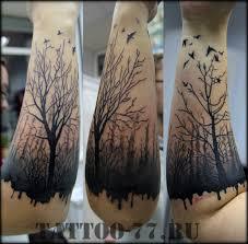 черная тату лес и птицы на предплечье фото татуировок