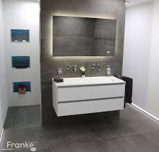 Badezimmer Dunkel Affordable Badezimmer Holzboden Bad Dunkler