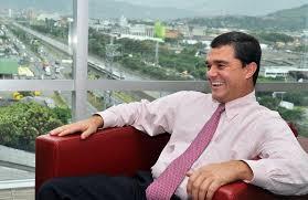 Resultado de imagen para Carlos Raúl Reyes presidente de Bancolombia