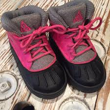 nike 8c. nike acg toddler girls boots 8c
