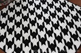 Houndstooth Quilt | Inklings & Yarns & Houndstooth Quilt Front | www.inklingsandyarns.com Adamdwight.com