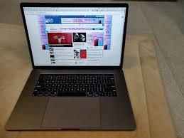 Apple, macBook, pro 13, review - Uiterlijk en aansluitingen, tweakers