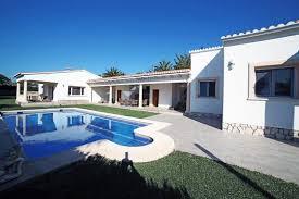 villa avec piscine en bord de mer dénia espagne