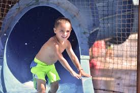 what better way to start the year than with a family vacation to wisconsin dells spend hours in our indoor waterpark and when you dry off take advane of