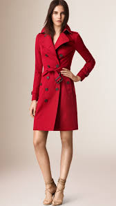 the burberry scarf bar and new heritage trench coat colour in navy and red trendystyle hong kong