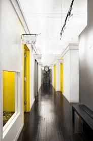 traditional office corridors google. Consultorio Médico Traditional Office Corridors Google R
