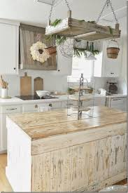 Buckets of Burlap Farmhouse Kitchen, 20 Farmhouse Kitchens