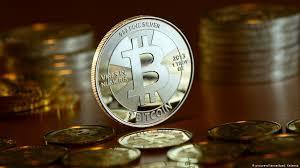 Ayrıca gün bazında btc fiyatlarını görebilir, bununla beraber fiyat değişim grafiğinden de artış veya azalışları görebilirsiniz. Bitcoin Digital Currency Smashes All Time High Of 6 500 Business Economy And Finance News From A German Perspective Dw 01 11 2017