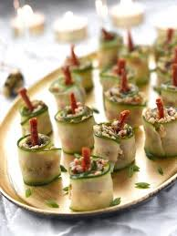 christmas-party-appetizers-ideas-christmas-candles-cucumber-coat