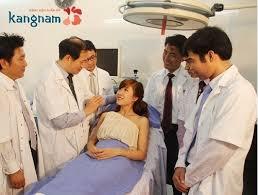 Trang thiết bị đầy đủ, phòng phẫu thuật vô trùng khép kín tại kangnam