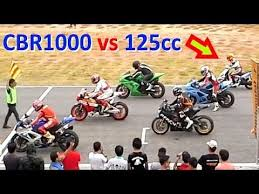 17 beste ideeà n over 125cc scooter op bobber cbr 1000 vs 125cc scooter racing on a track