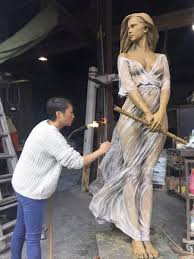 Çinli sanatçının gerçekçi heykelleri