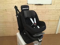 maxi cosi pearl car seat on familyfix base