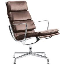 minimalist office chair. eames ea216 chair minimalist office