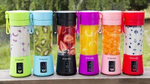 This Portable Blender Works Without any Cord at All