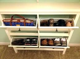 closet storage bench