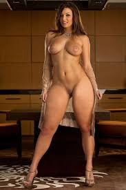 Nude sexy strong women