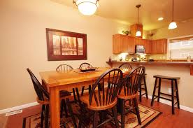 Dining Room Table & Breakfast Bar