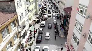 Sokağa çıkma kısıtlaması öncesi dolup taşan market önü, drone ile  görüntülendi - Haberler