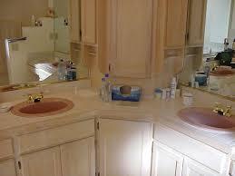 Avocado Bathroom Suite Reasons To Love Retro Pink Tiled Bathrooms Hgtvs Decorating