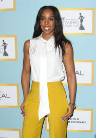 Kelly Rowland s yellow pants Lainey Gossip Lifestyle