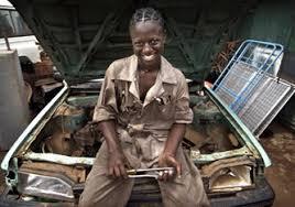 """Résultat de recherche d'images pour """"femme mecanicienne"""""""