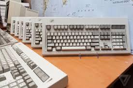 ipad 2 keyboard in middle