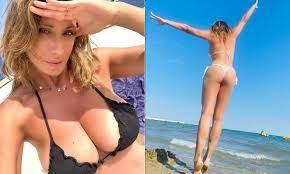 Sabrina Salerno regina dell'estate: ci fanno impazzire le NUOVE FOTO! |  Primapagina