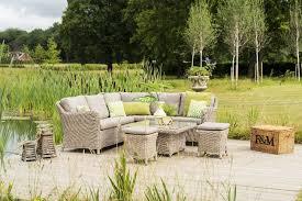 4 seasons outdoor denver cosy dining
