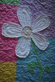 27 best Stephs daisy quilt images on Pinterest | Baby quilts, Baby ... & Darling Daisy Quilt - notice how the raw edges are snipped so they will  ravel out Adamdwight.com