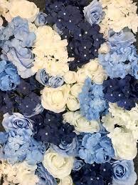 le decor blue white flower wall
