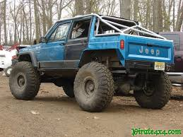 jeep cherokee 4 door with a chopped top it s a good idea but this isn t the best follow through