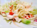 Салат с крабовых палочек и копченого сыра