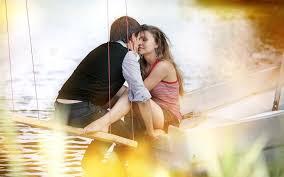 romantic kiss images