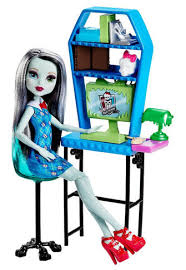 Monster High Frankie Stein Doll and puter Lab Playset Toys