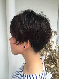 刈り上げ女子ショートヘアーパーマで人と差をつけたデザインに