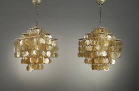 paire of fun pendants in mother of pearl in verner panton style