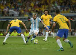 ميسي أمام البرازيل.. أهداف قليلة ونتائج متواضعة