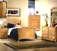 Small Master Bedroom With Storage Tiny Master Bedroom Decorating