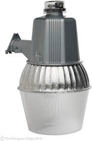 Designers Edge Farm Light Woods L1730 Cci Modern High Pressure Sodium Security Farm Light Powder Coated Housing 1 Ed17 Lamp 120 V 75 W 70 Watt Silver