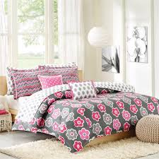 Patterned Bedding Simple Design