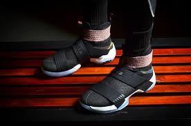 lebron shoes soldier 10 black. nike lebron soldier 10 onfoot beauty shots lebron shoes black a