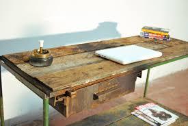 Scrivania ferro e legno dettaglio mobili industriali