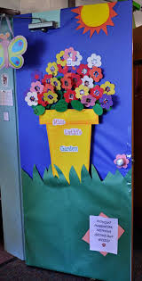 classroom door decorations for fall. Backyards:Ideas About Classroom Door Decorations Ac7d29b7dd76bdb83714b1c585044dfb For Winter Decoration January Fall Christmas October Decorating O