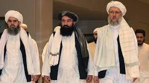 """تقرير يكشف حقيقة """"قائد خامس في طالبان"""" يقف وراء """"هزيمة"""" الأمريكان في  أفغانستان"""